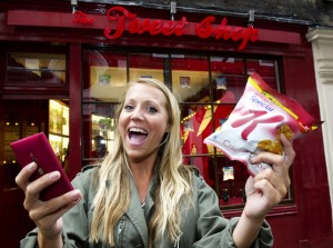 WORLD'S FIRST TWEET SHOP OPENS IN LONDON  Pic shows Kim Murray