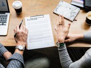 Droit d'auteur : une nouvelle directive qui fait débat