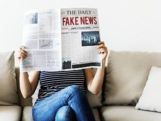 Fake news : le point de vue du journaliste et du communicant