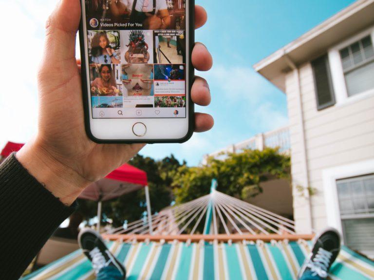 Les réseaux sociaux ne prennent pas de vacances