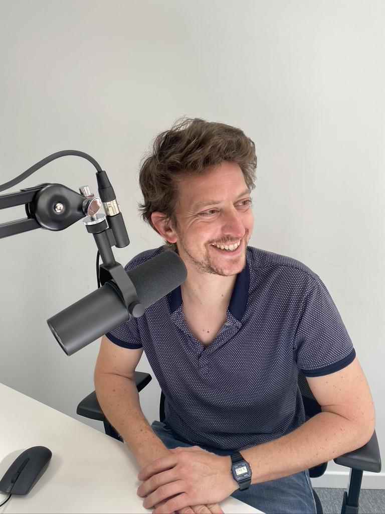 """Xavier Yvon – """"Le podcast crée un lien plus intime entre le journaliste et le public"""""""